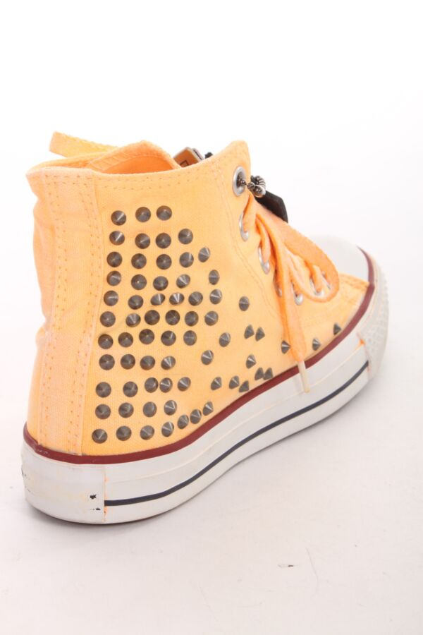 Light Studded Sneakers van Hollywood Trading Company 12SHTSC001