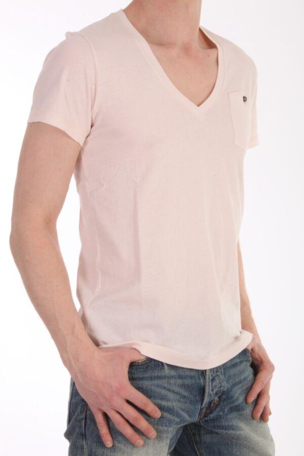 V-hals t-shirt met korte mouw van Closed in de kleur rose creme C85575-42W-C9
