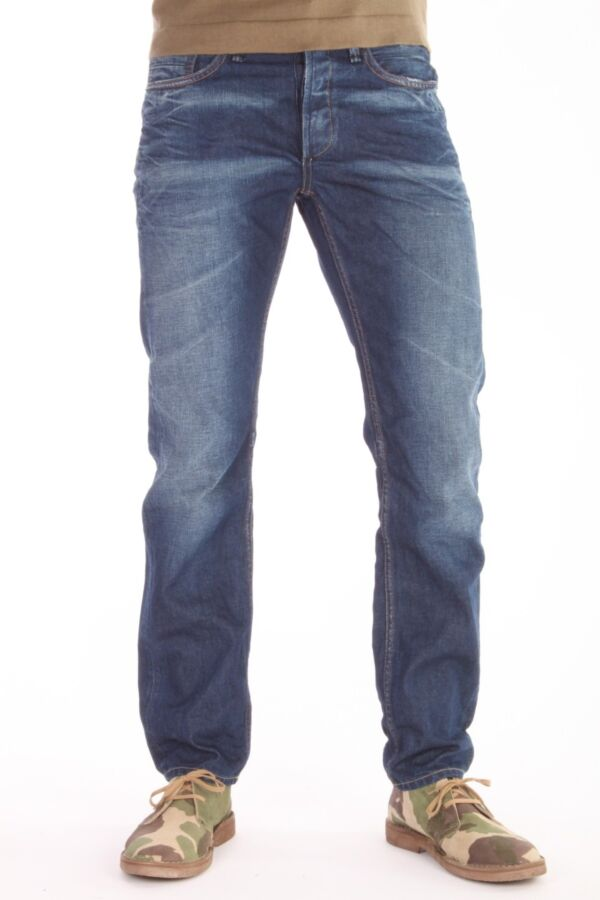 Denham R7 jeans 01-13-08-11-067 in de OB wassing.